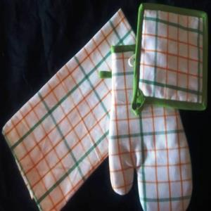 Set of 3 pcs (Kitchen towel, Glove & Pot Holder)