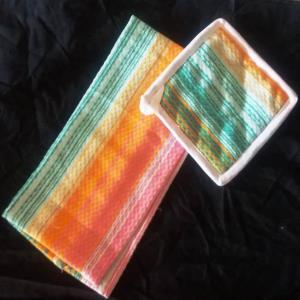Set of 2 pcs (Kitchen towel, & Pot Holder)