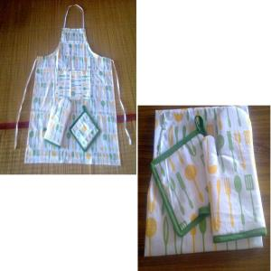 3 pc set Apron, Glove, Potholder stock