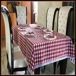 Table Cover & napkin Set Stock