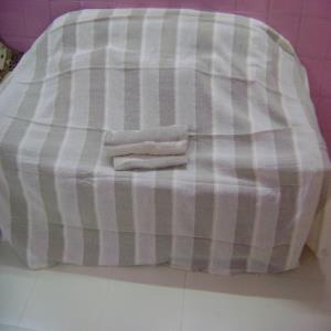 BROWN STRIPE BEDCOVER 250X220 CM