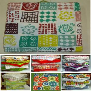 Cotton Box Cushion filled with cotton Stock